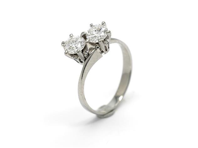 Syskonring-vitt-guld-diamanter