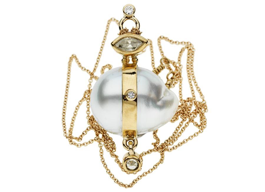 Bergsøe_necklace_gold_southseapeatl_diamond_huvudbildonline