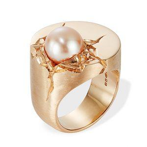 Ring i silver med roséguldsplätering och pärla från Danger Jewels