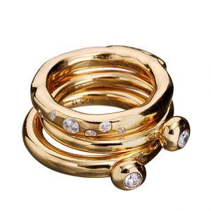 Ringar i 18K guldpläterat Sterlingsilver med zirkoner från KumKum