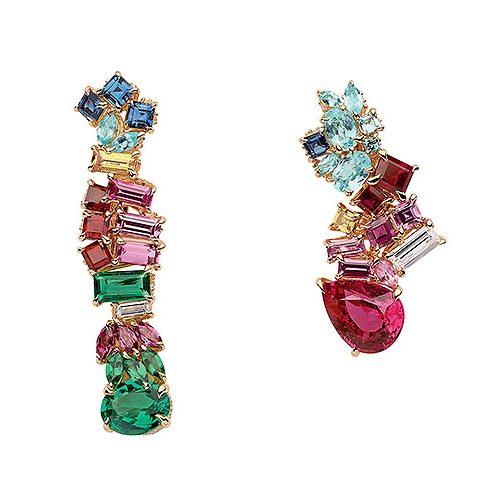 Juveler i form av örhängen från Dior