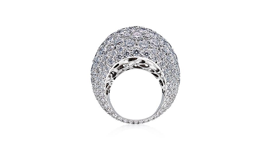 Diamanten har unika egenskaper, på riktigt. Men ibland har den tillskrivits egenskaper som inte är helt sanningsenliga, som till exempel att de hade medicinska egenskaper.