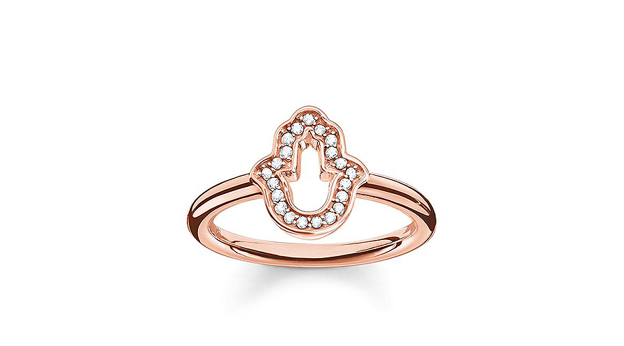 Guldring med diamanter i form av Fatimas hand.