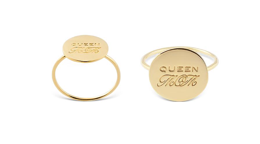 Ring i guldförgylld mässing eller silver.
