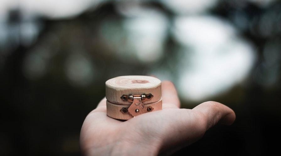 Smyckesask i trä