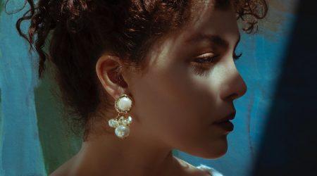 Pärlörhänget är en av några smyckestrender vi ser i höst