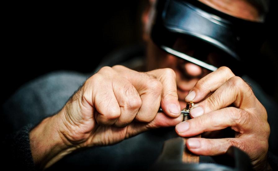 Omarbetar smycke