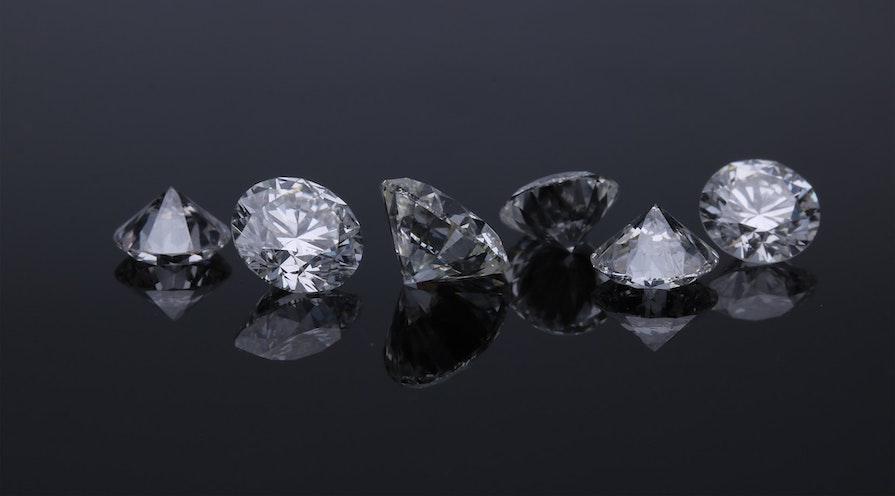 Vackra diamanter på rad