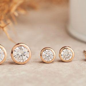 Diamantörhängen i olika carat