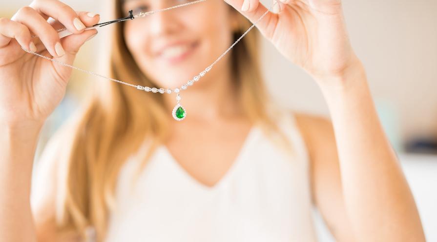 Smaragd-peridot-halsband