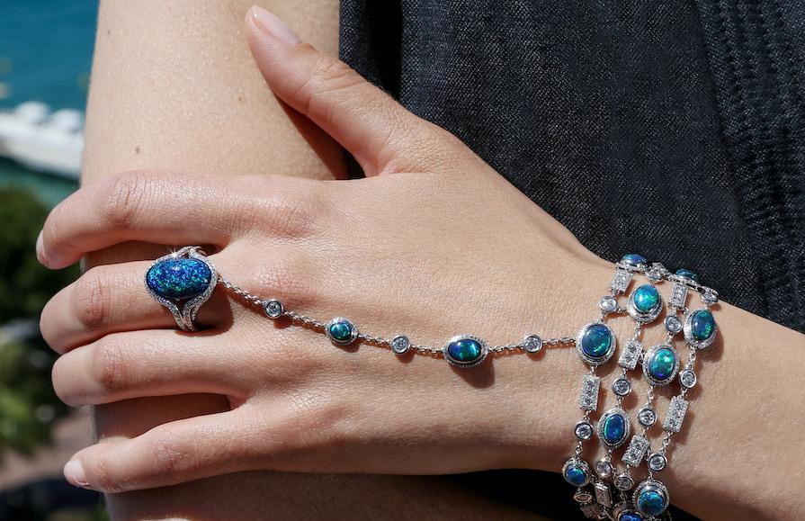 Armband med svarta opaler från Chopard