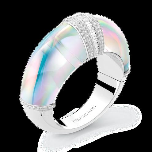 Ring med holografisk effekt från Boucheron