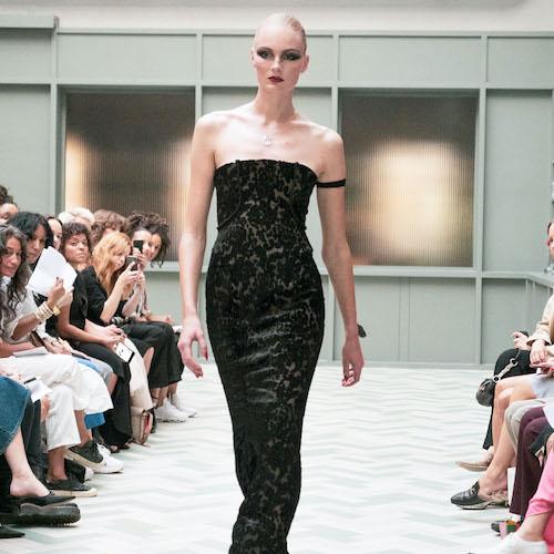 Emelie janrell på runway mode
