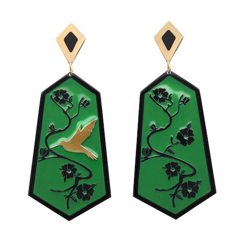 örhängen med grön emalj