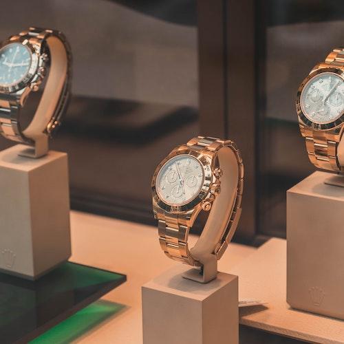 klockor inom smycke- och klockindustrin