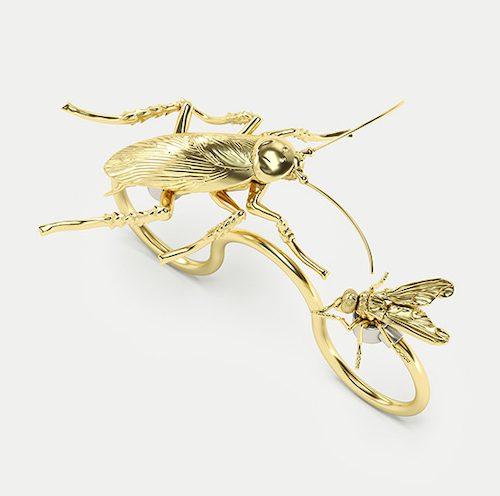 Ring med skalbagge och fluga av ech jewelry
